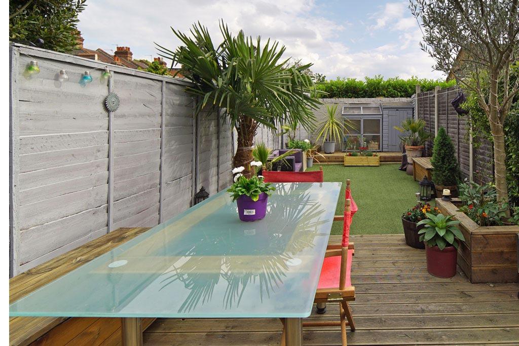 London Theatre Digs private garden deck